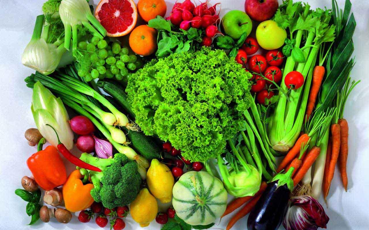เลือกรับประทานผักผลไม้สดของไทย